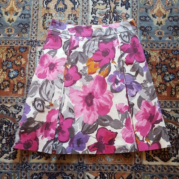 H&M Dresses & Skirts - H&M floral cotton pleated skirt US 6